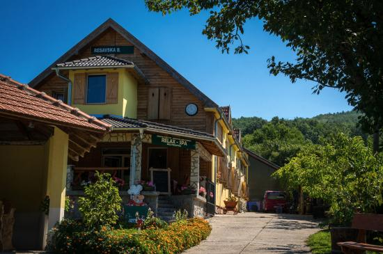 Resavica, เซอร์เบีย: Вид на отель