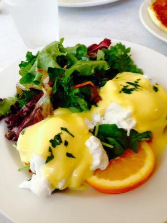 Devon's: Eggs Florentine