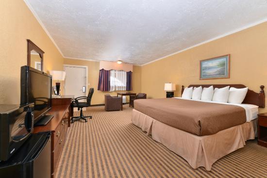 Executive Plus Inn & Suites