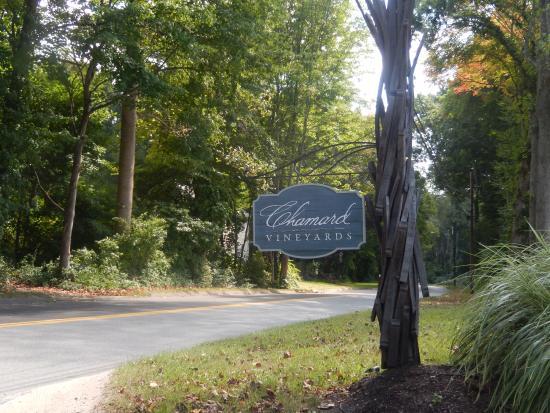 Chamard Vineyards: entrance