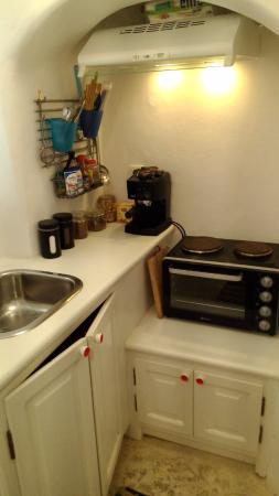 Anemi House & Villas: Kitchen