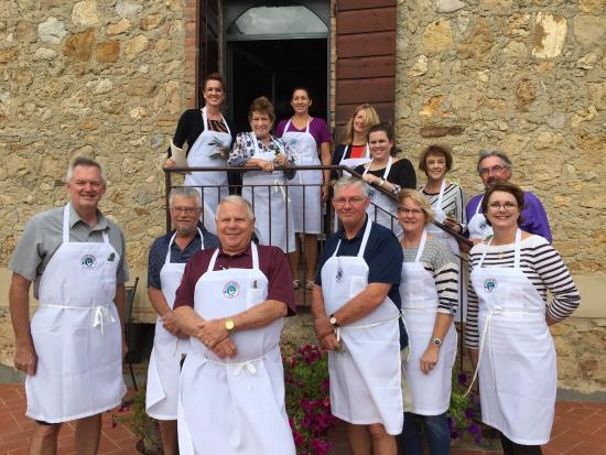 Montefollonico, Itália: Our class at Tuscan Women Cook - Sep 2015