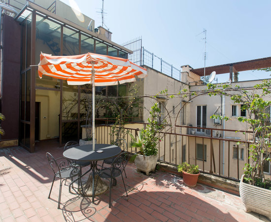 Photo of Hotel La Residenza at Via Emilia 22-24, Rome 00187, Italy