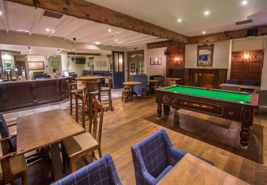 The Highwayman: Bar and Pool Room