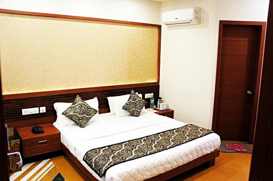 Uddhav Vilas Hotel