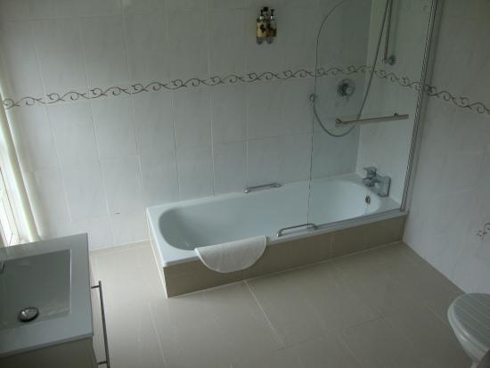Beaufort Lodge: Bathroom Room 1