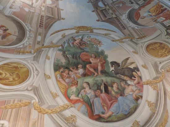Neue bischöfliche Residenz: Library room: Close-up of ceiling detail