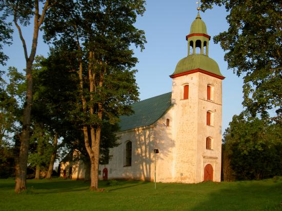 Karksi, Estonia: церковь