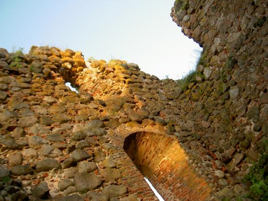 Karksi, Estonia: руины
