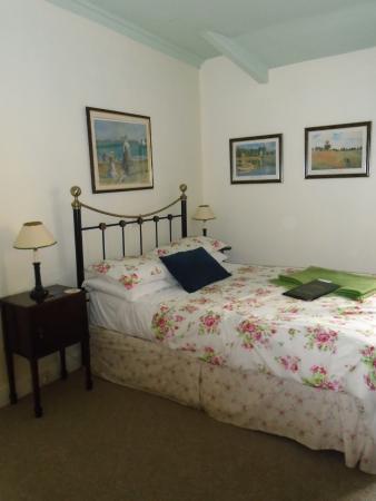 Riverbank Guest House: Bedroom