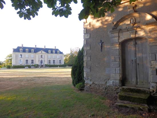Brion, Frankrike: Chapel and chateau
