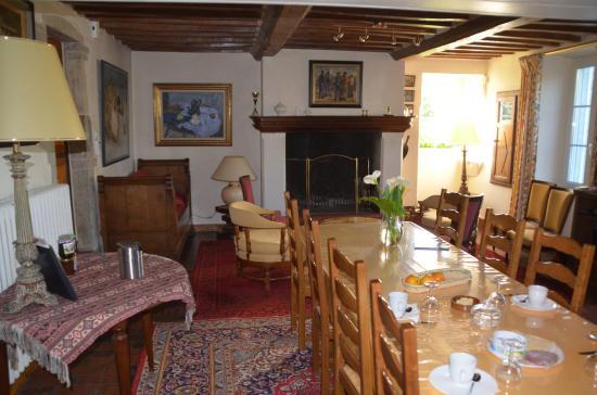 Mandeville-en-Bessin, Frankreich: gezellig samen aan tafel