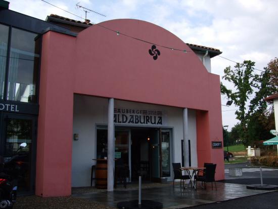 Hotel Aldaburua : façade