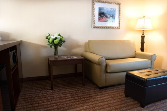Phoenix Inn Suites Eugene: Sitting Area