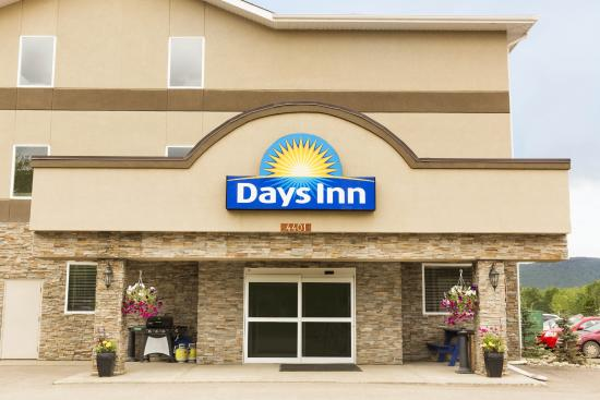 Days Inn Chetwynd: Exterior