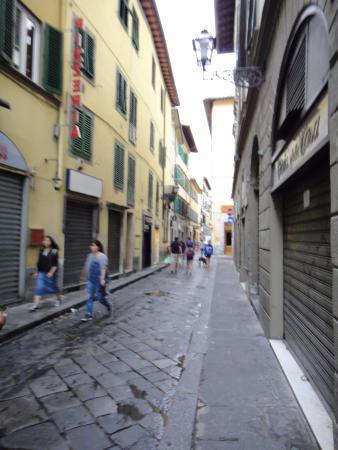Florence Apartments Central: Джильо: улица, где расположены апартаменты