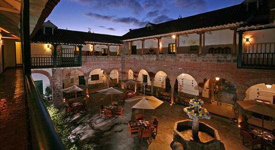 Casa Andina Premium Cusco: Interior Hotel