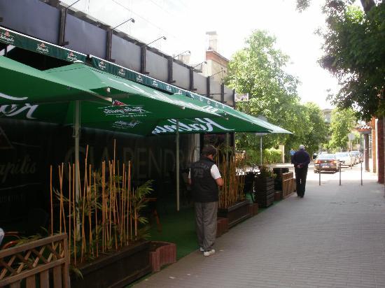 Fabrika Hostel: Pub next to hostel
