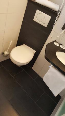 Hotel Madeleine : Einzelzimmer mit Hofblick sehr chic & sauber