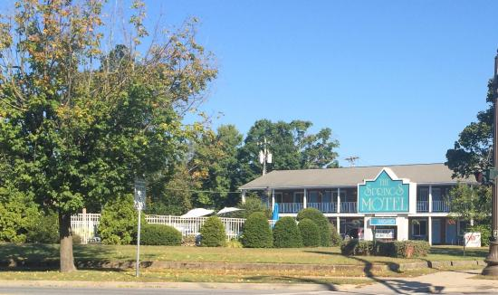 The Springs Motel from the road