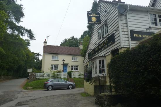 Hill Cottage Crowborough: Hill Cottage and the old Wheatsheaf pub