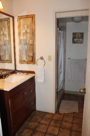 Luana Kai Resort : Bathroom