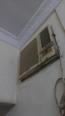 Eden Guest House: ac doesnt work