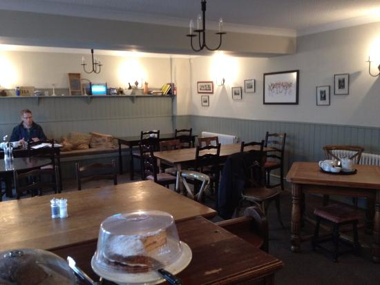 Newlands, UK : Inside the warm spacious cafe