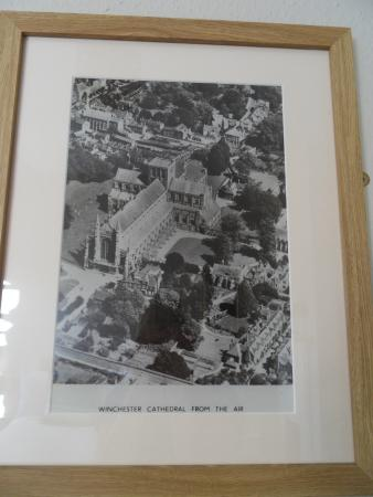 Itchen Abbas, UK : Wall pictures