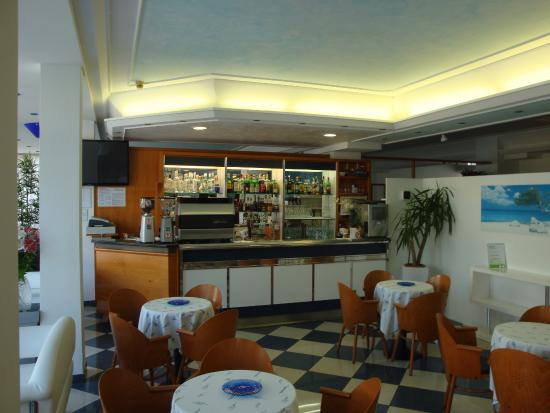 Hotel Athena: Bar
