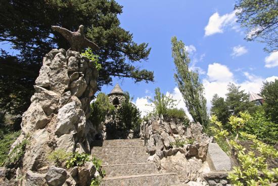 Jardins Artigas: gaudi gardens - pobla de lillet, catalonia
