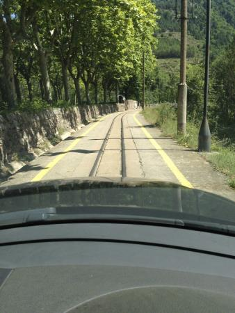Jardins Artigas: yes you do drive along old cement train track to reach parking!