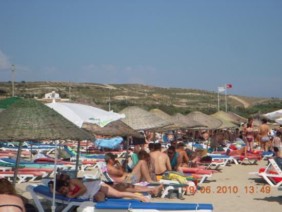 Ramo Beach: vue de la plage derrière des collines