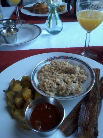 Allegan, MI: Breakfast
