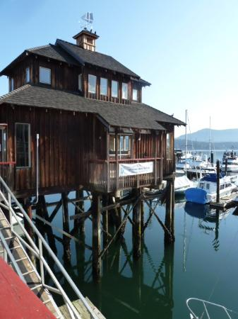 Cowichan Wooden Boat Society: Photogenic harbor