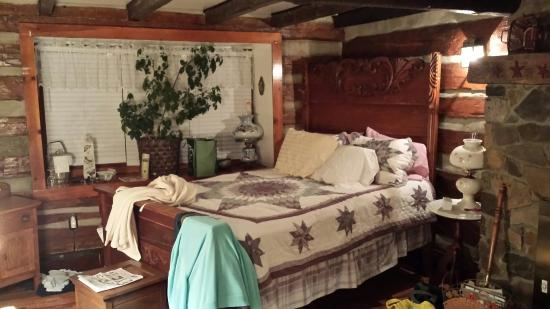 Sleepy Creek Mountain Inn: Almost  Heaven,  with Our Stuff All Over!