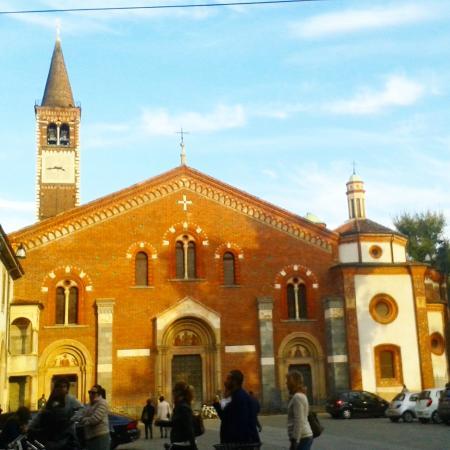 Particolare balcone foto di basilica di sant 39 eustorgio for Piazza sant eustorgio