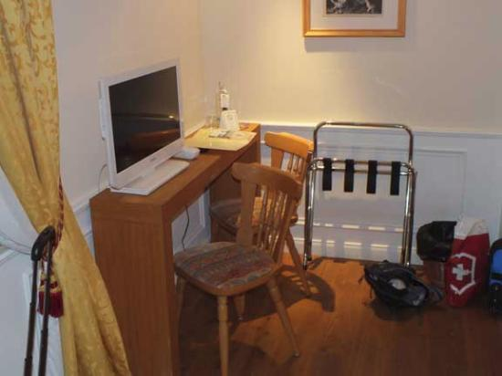 Oberheimbach, Niemcy: TV, phone, free mineral water and Wi-Fi