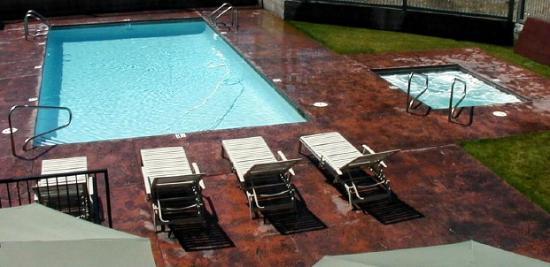 Murphys Suites: Pool