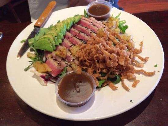Mother's Tavern: Ahi tuna salad