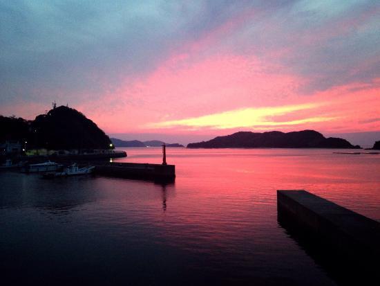 Matsuya : 部屋からの夕陽は絶景、食べ物は最高でした