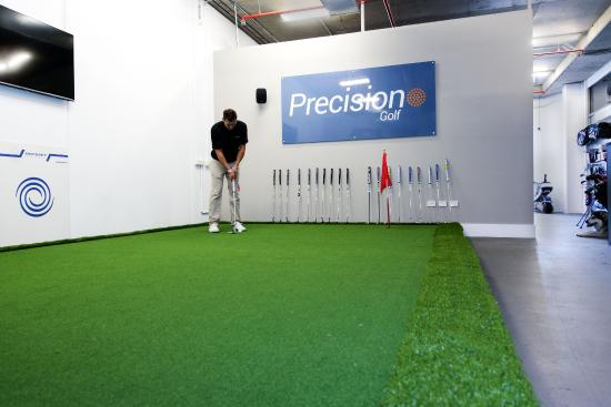 Precision Golf: Full Size Putting green