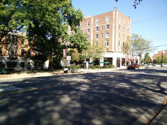 Shaw's Inn: Looking north at the inn