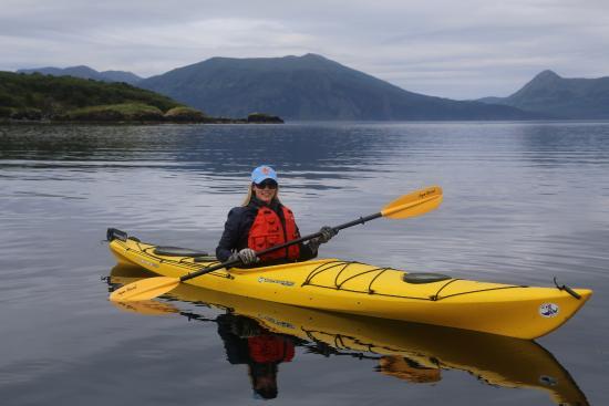 Kodiak Legends Lodge: Kayaking near the lodge