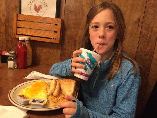 Jefferson, IA: Grandkids love breakfast at Uptown!