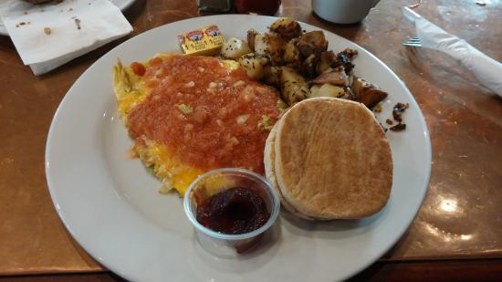 Crepeville: Mexican-Style Omelette mit English Muffin