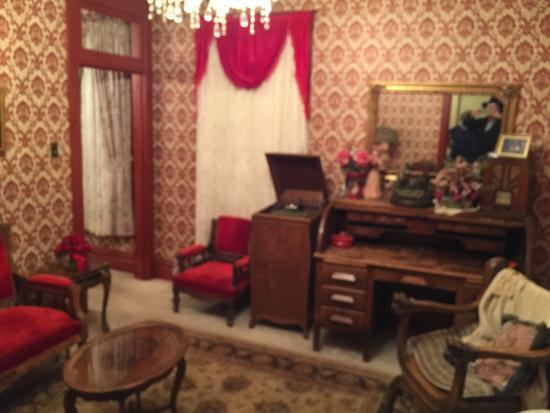 Virginian Hotel: Owen Wister parlor