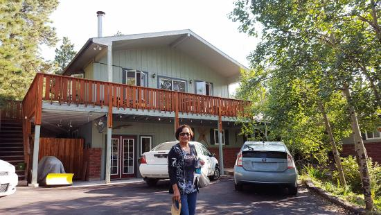 Woodland Inn Bed and Breakfast: My mom in front of Woodland Inn B&B