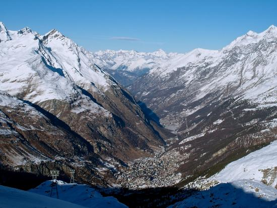 gondola picture of matterhorn glacier paradise zermatt tripadvisor. Black Bedroom Furniture Sets. Home Design Ideas