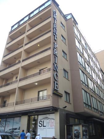 Orient Prince Hotel: внешний вид на здание